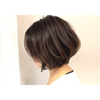 ハイライト アッシュ ボブ イルミナカラー ヘアスタイルや髪型の写真・画像