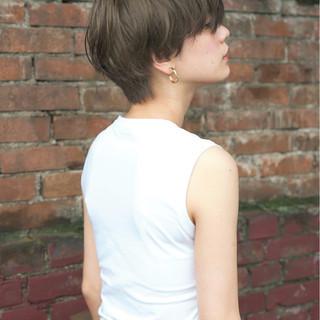 大人かわいい ナチュラル ショート アッシュ ヘアスタイルや髪型の写真・画像