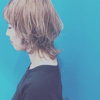 ウルフカット ストリート 外国人風カラー 外ハネ ヘアスタイルや髪型の写真・画像