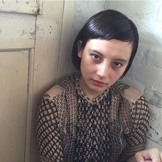 ボブ 切りっぱなし 外国人風 ナチュラル ヘアスタイルや髪型の写真・画像 ヘアスタイルや髪型の写真・画像