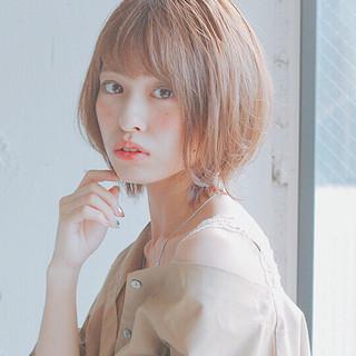 アンニュイほつれヘア ショート デート フェミニン ヘアスタイルや髪型の写真・画像