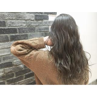 ストリート フェミニン パーマ ハイライト ヘアスタイルや髪型の写真・画像