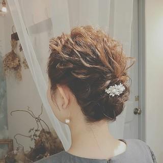 上品 結婚式 外ハネ ヘアアレンジ ヘアスタイルや髪型の写真・画像