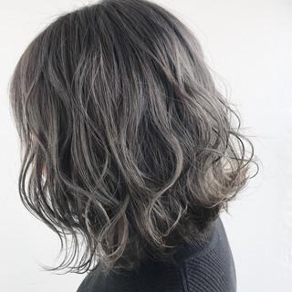 グレーアッシュ ダークグレー グレー モード ヘアスタイルや髪型の写真・画像 | 角谷 洋之 / テクライズ名駅