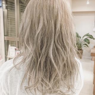 ロング アッシュ ピュア ナチュラル ヘアスタイルや髪型の写真・画像 ヘアスタイルや髪型の写真・画像