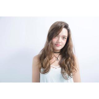 イルミナカラー ロング アッシュ ナチュラル ヘアスタイルや髪型の写真・画像
