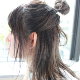 グレージュ ロブ ナチュラル 簡単ヘアアレンジ ヘアスタイルや髪型の写真・画像