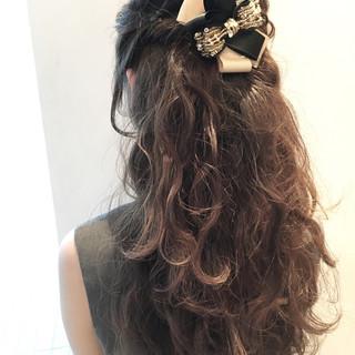 大人かわいい 簡単ヘアアレンジ ロング 外国人風 ヘアスタイルや髪型の写真・画像