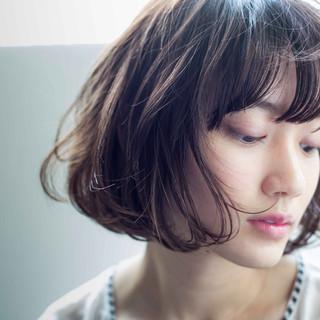 前髪パーマ デジタルパーマ パーマ フェミニン ヘアスタイルや髪型の写真・画像