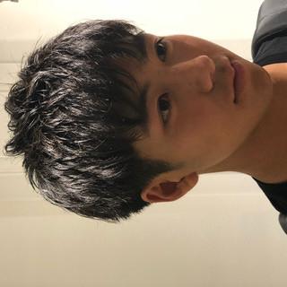 ナチュラル ツーブロック メンズショート 大学生 ヘアスタイルや髪型の写真・画像