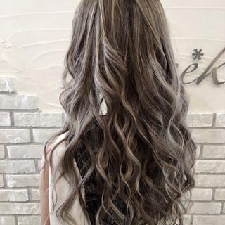 インナーカラー ロング ピンク グレージュ ヘアスタイルや髪型の写真・画像