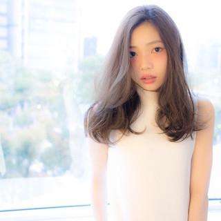 外国人風 ガーリー 大人かわいい ミディアム ヘアスタイルや髪型の写真・画像
