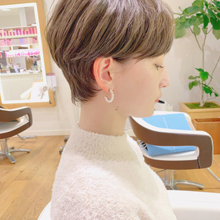 オフィス デート ショート パーマ ヘアスタイルや髪型の写真・画像 ヘアスタイルや髪型の写真・画像