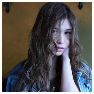 フェミニン ロング 愛され ルーズ ヘアスタイルや髪型の写真・画像