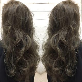 暗髪 モード グラデーションカラー ロング ヘアスタイルや髪型の写真・画像