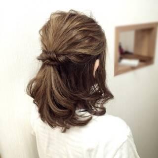 ナチュラル アップスタイル ヘアアレンジ ハーフアップ ヘアスタイルや髪型の写真・画像