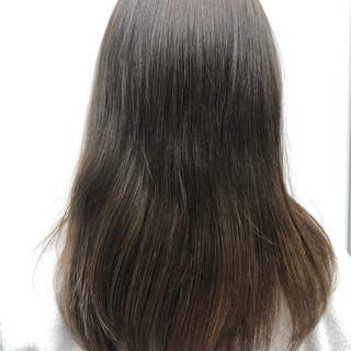 ロング バレイヤージュ ベージュ アッシュベージュ ヘアスタイルや髪型の写真・画像