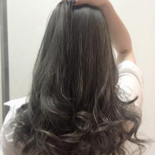 ロング 外国人風カラー 艶髪 グラデーションカラー ヘアスタイルや髪型の写真・画像