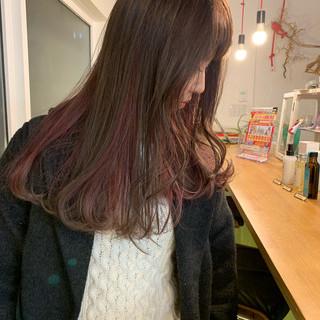 ミルクティーグレージュ ロング ダブルカラー アンニュイほつれヘア ヘアスタイルや髪型の写真・画像