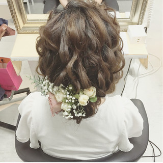 結婚式 ヘアアレンジ ミディアム ナチュラル ヘアスタイルや髪型の写真・画像 ヘアスタイルや髪型の写真・画像