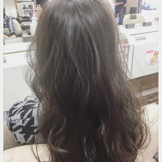 フェミニン ゆるふわ アッシュ ナチュラル ヘアスタイルや髪型の写真・画像