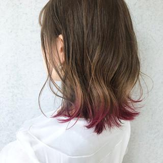 裾カラー ピンク ナチュラル 切りっぱなしボブ ヘアスタイルや髪型の写真・画像