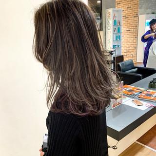 アンニュイほつれヘア ナチュラル ハイライト インナーカラー ヘアスタイルや髪型の写真・画像