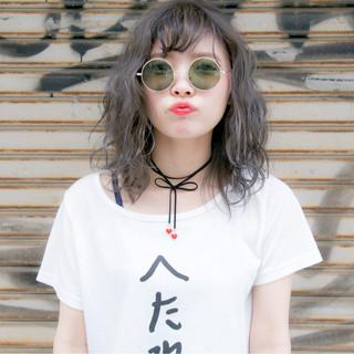 ミディアム アンニュイ ハイライト 外国人風 ヘアスタイルや髪型の写真・画像 ヘアスタイルや髪型の写真・画像