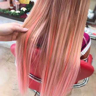 ピンク エクステ ロング グラデーション ヘアスタイルや髪型の写真・画像