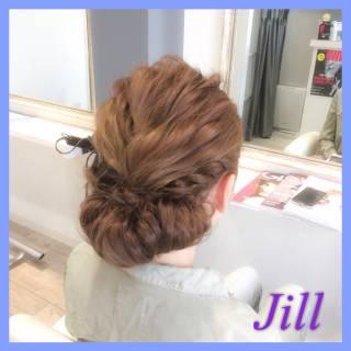 ヘアアレンジ シニヨン ショート 波ウェーブ ヘアスタイルや髪型の写真・画像