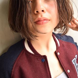 ガーリー アッシュ ピュア ボブ ヘアスタイルや髪型の写真・画像