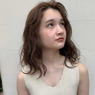 ガーリー ミディアム デート ゆるウェーブ ヘアスタイルや髪型の写真・画像