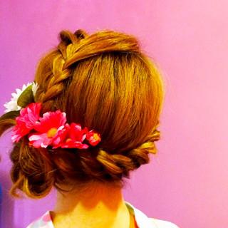 編み込み ロング ねじり かわいい ヘアスタイルや髪型の写真・画像