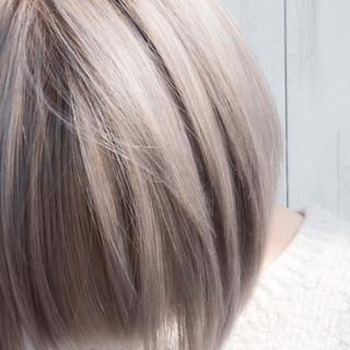 ボブ ブリーチ バレイヤージュ ホワイトブリーチ ヘアスタイルや髪型の写真・画像