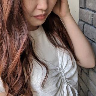 大人カジュアル ナチュラル デジタルパーマ アプリコットオレンジ ヘアスタイルや髪型の写真・画像
