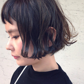 色気 暗髪 ナチュラル 外国人風 ヘアスタイルや髪型の写真・画像