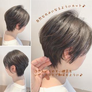 ショートボブ ショートヘア 大人可愛い ベージュ ヘアスタイルや髪型の写真・画像