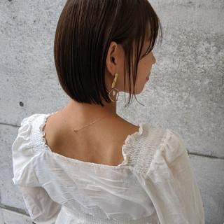 オリーブアッシュ ミニボブ 切りっぱなしボブ ストレート ヘアスタイルや髪型の写真・画像