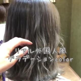 グレージュ ミディアム フェミニン 外国人風 ヘアスタイルや髪型の写真・画像