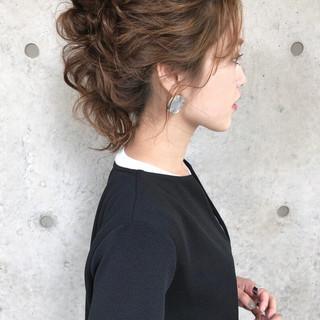 ヘアアレンジ ゆるナチュラル おしゃれさんと繋がりたい アンニュイほつれヘア ヘアスタイルや髪型の写真・画像