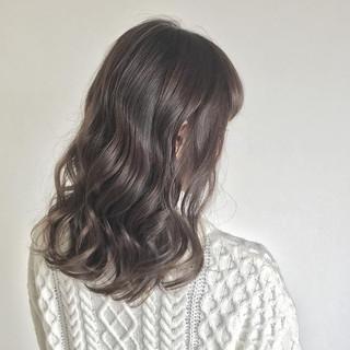 セミロング ニュアンス イルミナカラー アッシュ ヘアスタイルや髪型の写真・画像 ヘアスタイルや髪型の写真・画像