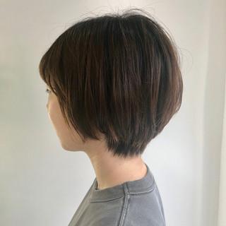 ショートヘア ショート ナチュラル 艶カラー ヘアスタイルや髪型の写真・画像