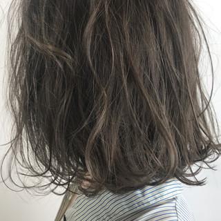 外国人風カラー ナチュラル 透明感 グレー ヘアスタイルや髪型の写真・画像