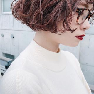 アンニュイほつれヘア ナチュラル 大人かわいい ピンクアッシュ ヘアスタイルや髪型の写真・画像