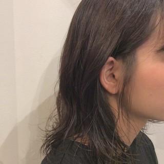 かわいい 大人かわいい シルバー インナーカラー ヘアスタイルや髪型の写真・画像