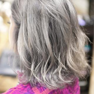 ハイトーン ミディアム ダブルカラー ハイライト ヘアスタイルや髪型の写真・画像