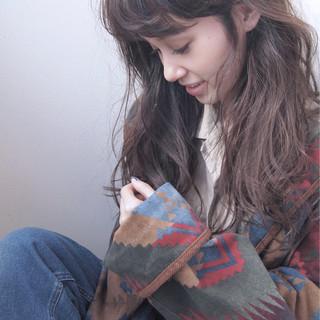 ミルクティー 大人女子 アッシュグレージュ セミロング ヘアスタイルや髪型の写真・画像