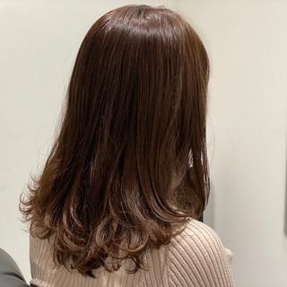 セミロング 大人かわいい グレージュ 外国人風カラー ヘアスタイルや髪型の写真・画像