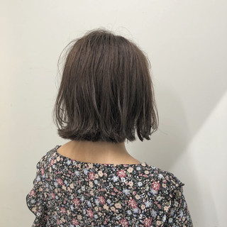 ナチュラル ショートボブ グレージュ ショート ヘアスタイルや髪型の写真・画像