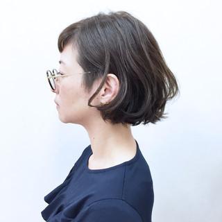 モード 暗髪 ブルージュ ウェーブ ヘアスタイルや髪型の写真・画像